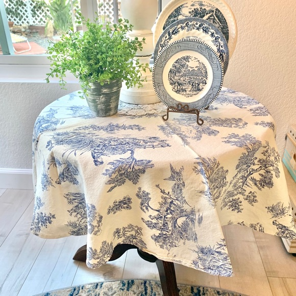 """45"""" Round Blue Toile Table Cloth"""